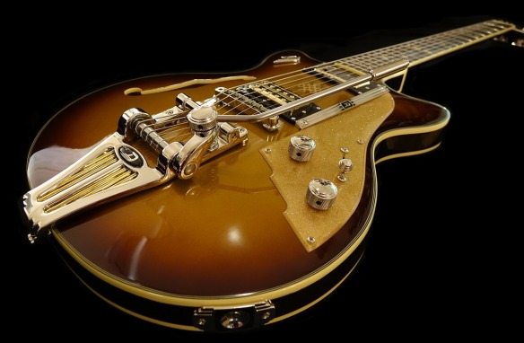 independent-contractor-misclassification-guitar